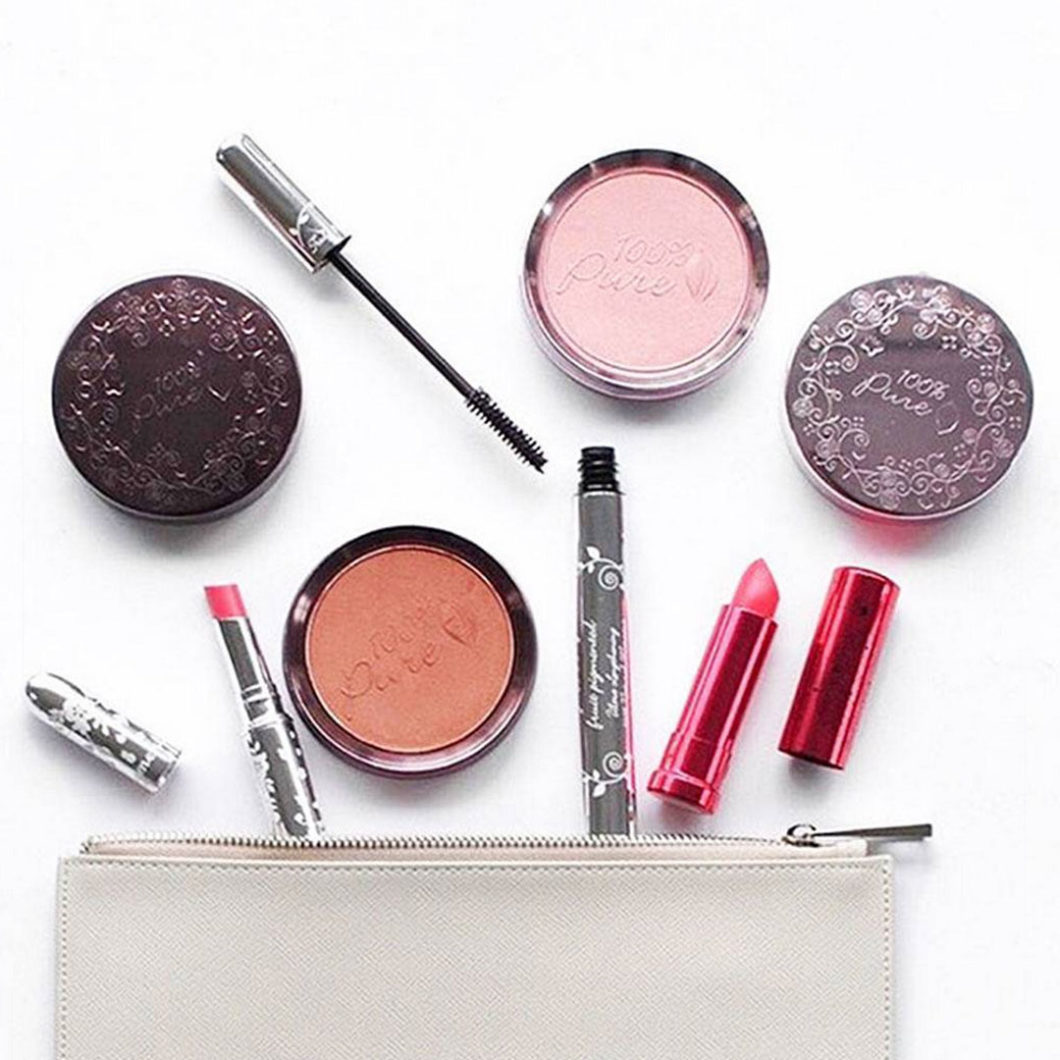 https://lukbeautifood.com/wp-content/uploads/2014/04/makeup-bag.jpg