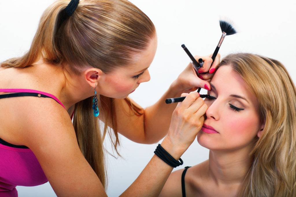 The-Professional-Makeup-Artist-Course