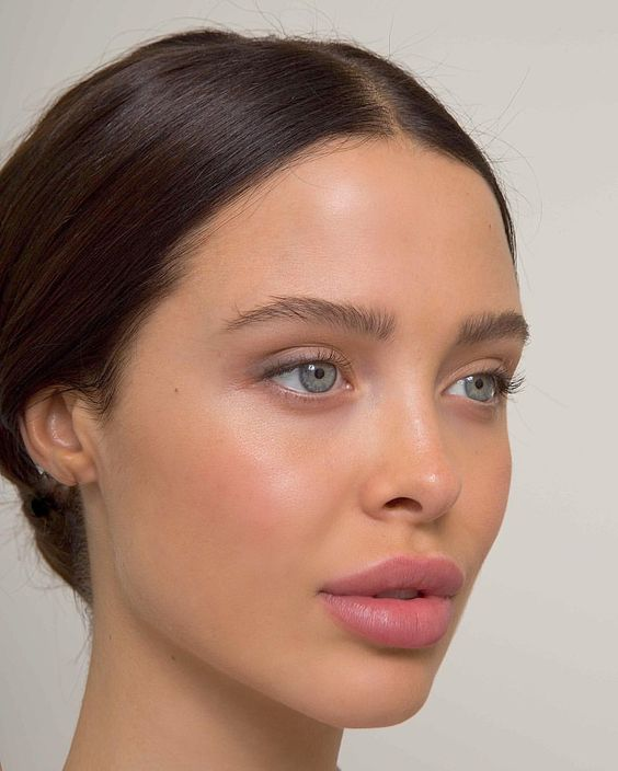 How To Make Your Makeup Look Natural And Flawless
